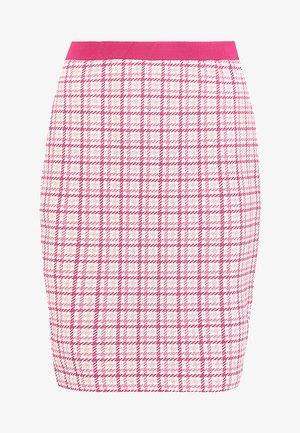 CORRY SKIRT - Spódnica ołówkowa  - fuchsia