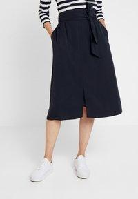 Josephine & Co - GARRY SKIRT - Áčková sukně - navy - 0