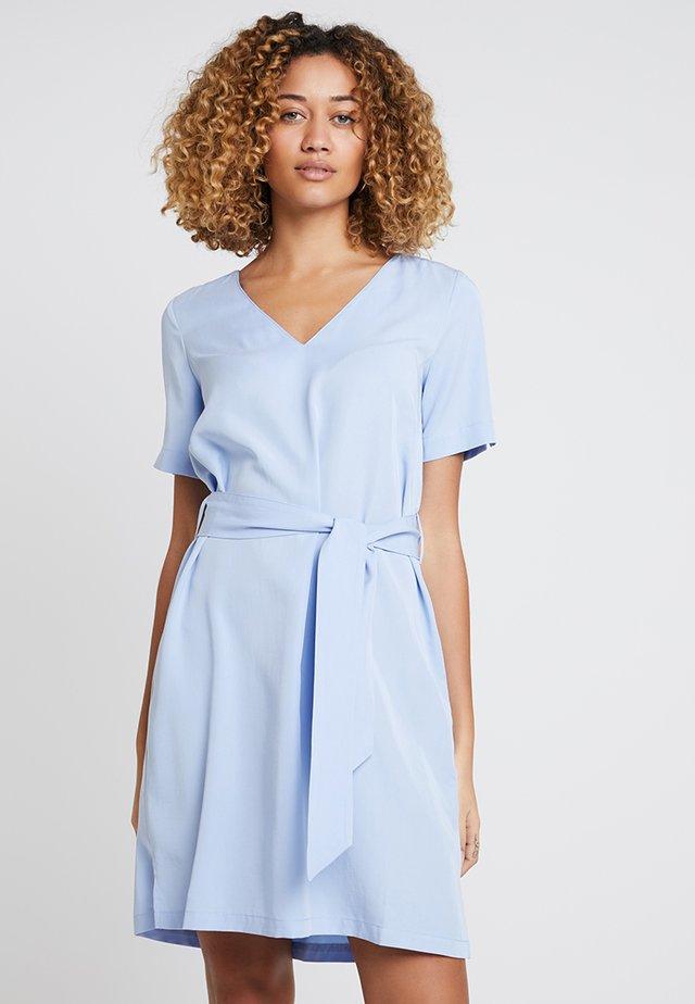 CISKA DRESS - Freizeitkleid - light blue