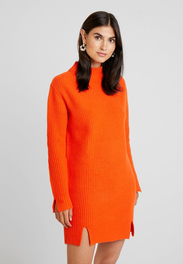 GASPARD - Jumper dress - tangerine