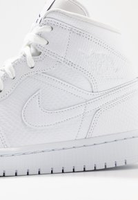 Jordan - AIR 1 MID  - Sneakers hoog - white/black - 5