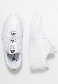 Jordan - AIR 1  - Slipper - white/black - 3