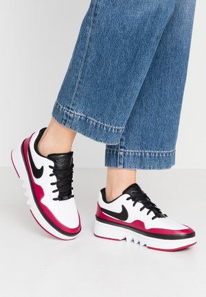 JESTER LACED - Sneaker low - white/black/noble red
