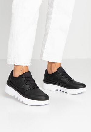 JESTER LACED - Sneakers laag - black/white