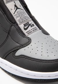 Jordan - AIR 1 SE - Instappers - black/medium grey/white - 2