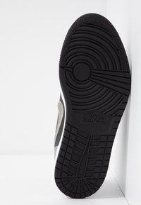 Jordan - AIR 1 SE - Instappers - black/medium grey/white - 6