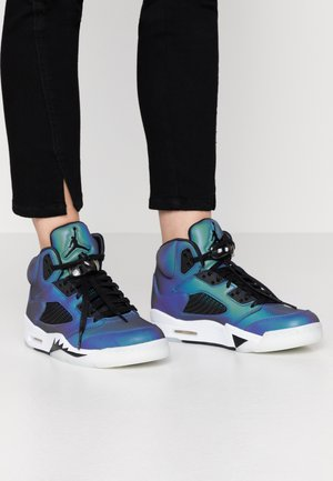 AIR 5 RETRO - Sneaker high - oil grey/black/white