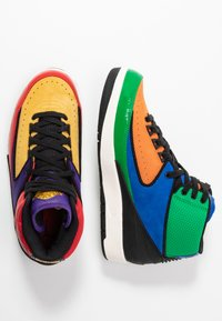 Jordan - AIR JORDAN 2 RETRO - Sneakers hoog - action red/black/cosmic purple - 3