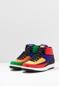 Jordan - AIR JORDAN 2 RETRO - Sneakers hoog - action red/black/cosmic purple - 4