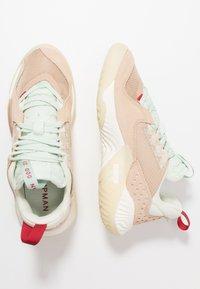 Jordan - DELTA - Sneakers laag - shimmer/sail/tan/light cream/rust factor/galactic jade - 3