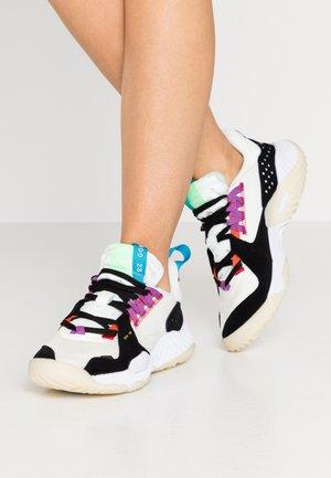 DELTA - Sneakers basse - sail/optic yellow/black/laser blue/purple/illusion green