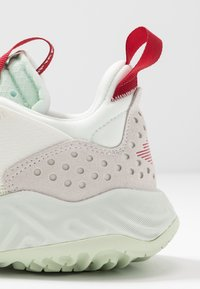 Jordan - DELTA - Sneakers laag - sail/jade aura/spruce aura/gym red - 2