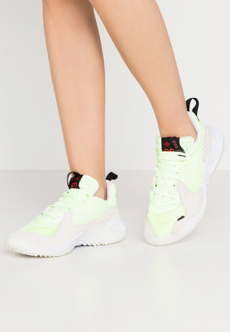 Jordan - DELTA - Sneakers laag - barely volt/chile red/black/sail/white