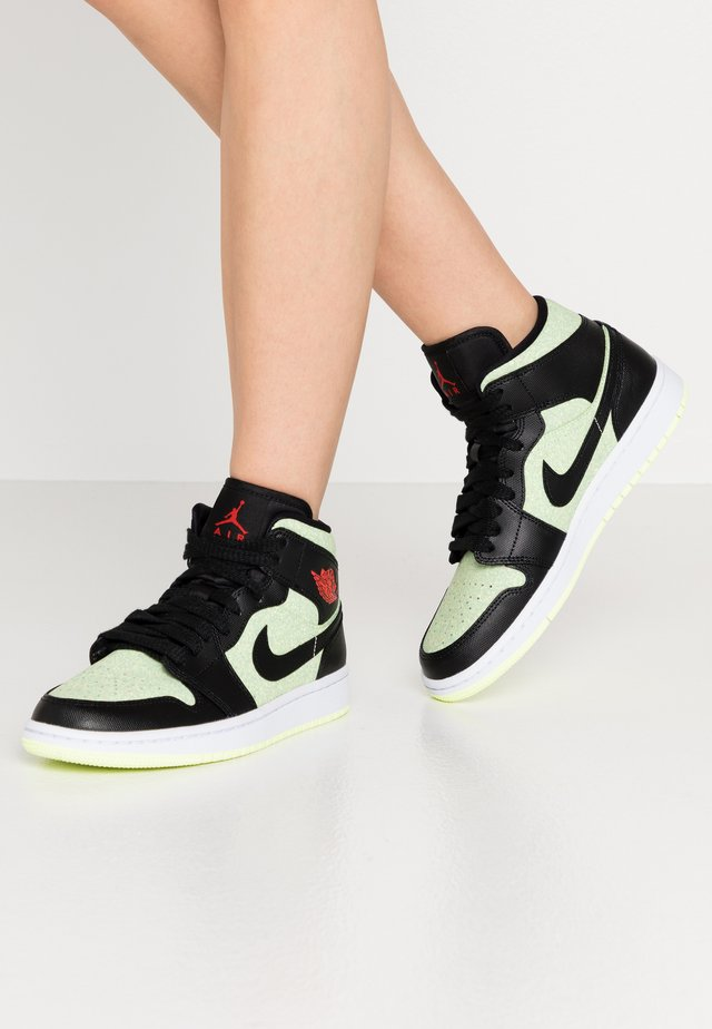 AIR 1 MID SE - Sneakers hoog - black/chile red/barely volt/white