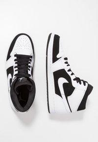 Jordan - AIR JORDAN 1 MID - High-top trainers - white/platinum - 1
