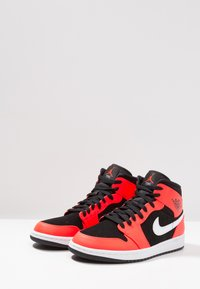 Jordan - AIR JORDAN 1 MID - Sneakers hoog - red - 3