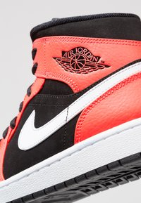 Jordan - AIR JORDAN 1 MID - Sneakers hoog - red - 9
