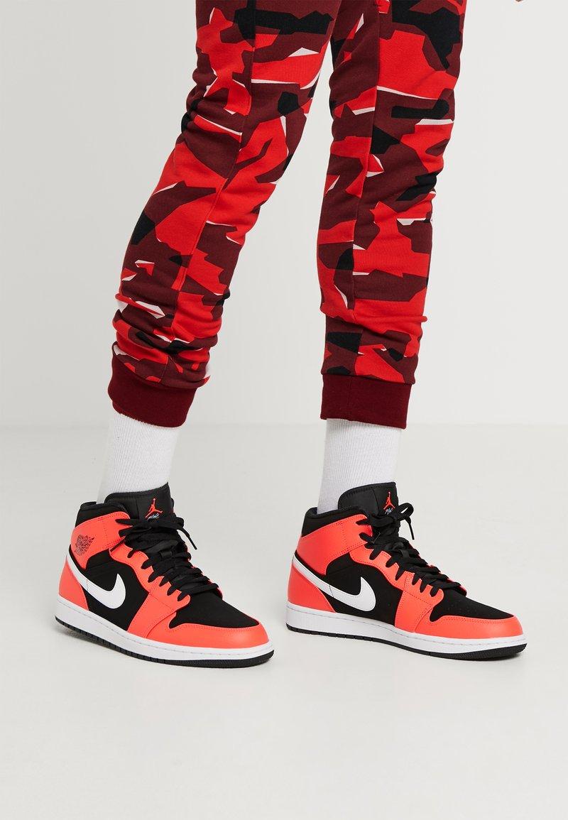 Jordan - AIR JORDAN 1 MID - High-top trainers - red