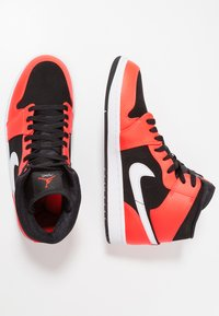 Jordan - AIR JORDAN 1 MID - Sneakers hoog - red - 2