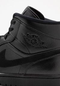 Jordan - AIR 1 MID - Sneakers alte - black - 5