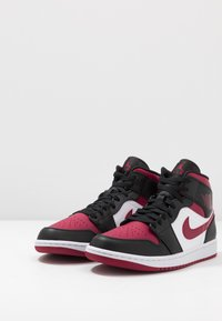 Jordan - AIR JORDAN 1 MID - Baskets montantes - black/noble red/white - 2