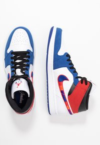 Jordan - AIR 1 MID SE - High-top trainers - white/university red/rush blue/black - 1