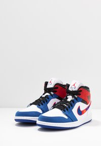 Jordan - AIR 1 MID SE - High-top trainers - white/university red/rush blue/black - 2