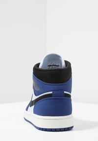 Jordan - AIR 1 MID SE - Höga sneakers - deep royal blue/black/half blue/universal red - 3