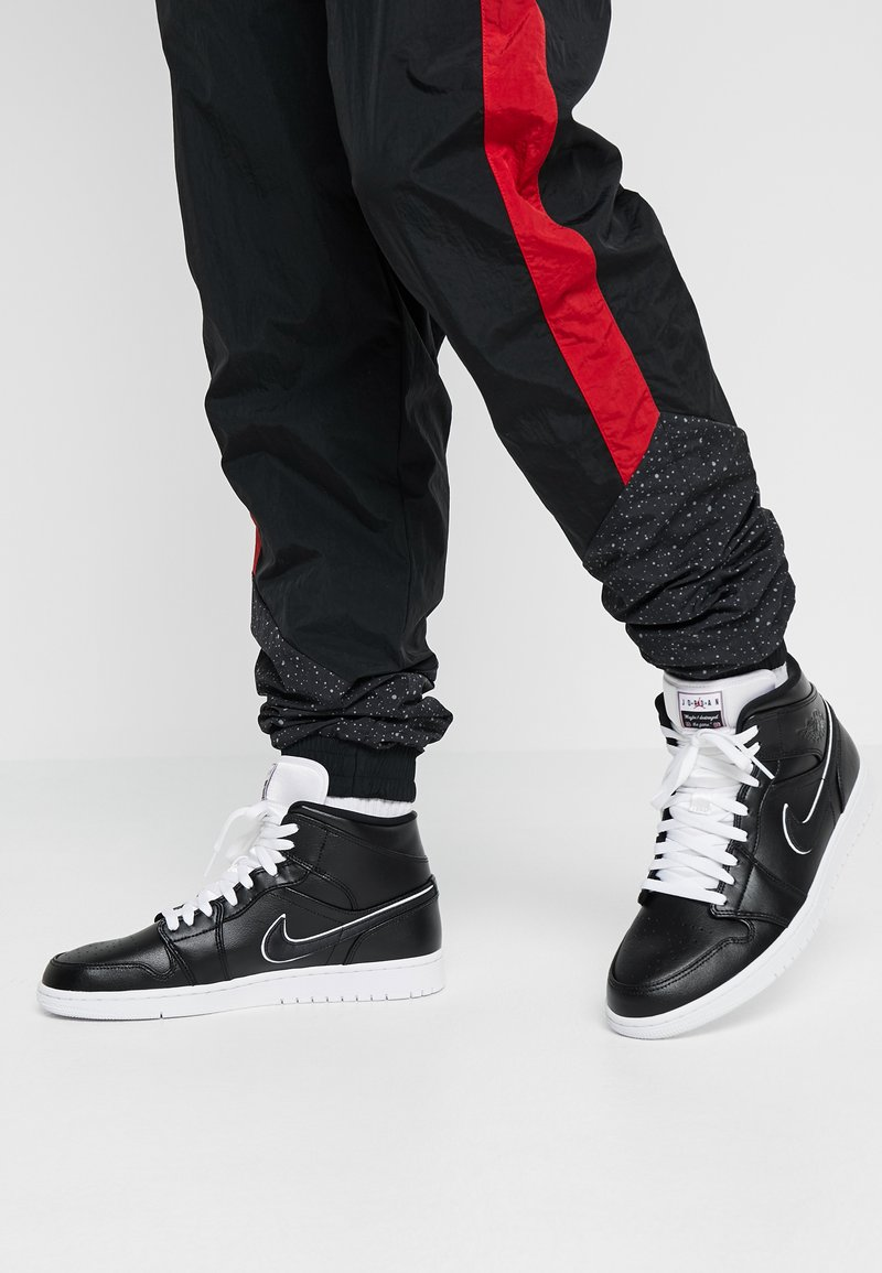 Jordan - AIR 1 MID SE - High-top trainers - black/white/gym red