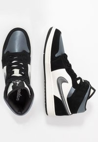 Jordan - AIR 1 MID SE - High-top trainers - black/smoke grey/sail - 1
