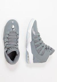 Jordan - MAX AURA - Sneakers hoog - cool grey/black/white/clear - 1