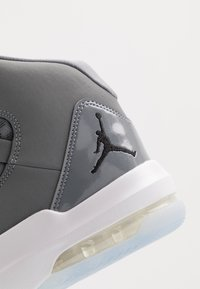 Jordan - MAX AURA - Sneakers hoog - cool grey/black/white/clear - 5
