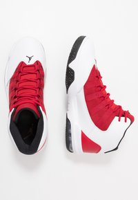 Jordan - MAX AURA - Korkeavartiset tennarit - white/black/gym red
