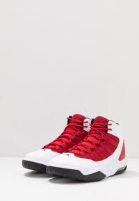 Jordan - MAX AURA - Korkeavartiset tennarit - white/black/gym red - 2