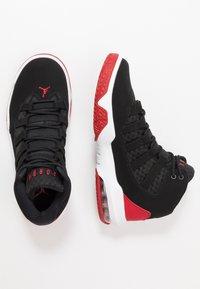 Jordan - MAX AURA - Höga sneakers - black/gym red - 1
