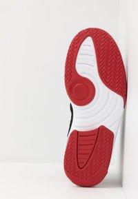 Jordan - MAX AURA - Höga sneakers - black/gym red - 4