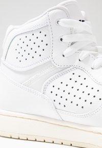 Jordan - ACCESS - Zapatillas altas - white/pale ivory - 5