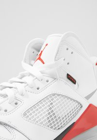 Jordan - MARS 270 - Höga sneakers - white/reflect silver/fire red/black - 5