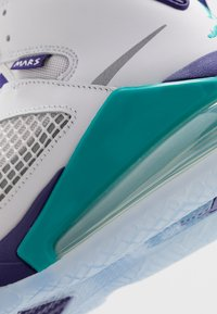Jordan - MARS 270 - High-top trainers - white/reflect silver/new emerald/grape ice - 5