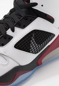 Jordan - MARS 270 - Korkeavartiset tennarit - white/reflect silver/noble red/black - 6