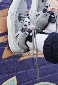 Jordan - SPIZIKE  - Chaussures de skate - cool grey/black/wolf grey/pure platinum/white/total orange - 7