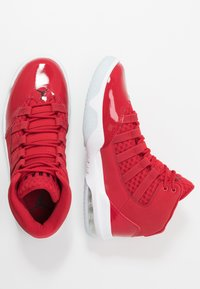 Jordan - MAX AURA - Zapatillas altas - gym red/black/white/ice - 1