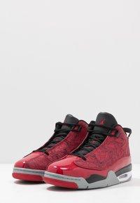 Jordan - AIR DUB  - Korkeavartiset tennarit - gym red/black/particle grey - 2