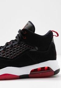 Jordan - MAXIN 200 - Sneakers hoog - black/gym red/white - 5