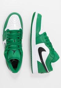 Jordan - AIR 1 - Tenisky - pine green/black/white - 1