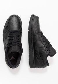 Jordan - AIR 1 - Sneakersy niskie - black - 1