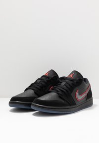 Jordan - AIR 1 SE - Sneakers laag - black/red orbit - 2