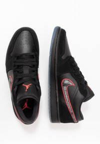 Jordan - AIR 1 SE - Sneakers laag - black/red orbit - 1