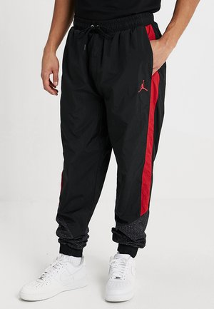 DIAMOND CEMENT PANT - Pantalones deportivos - black/gym red