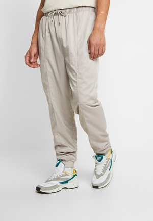 WINGS SUIT PANT - Pantaloni sportivi - moon particle/white